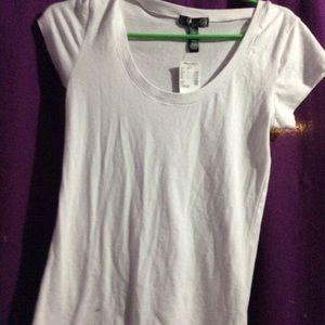 Nwt White v neck tee shirt